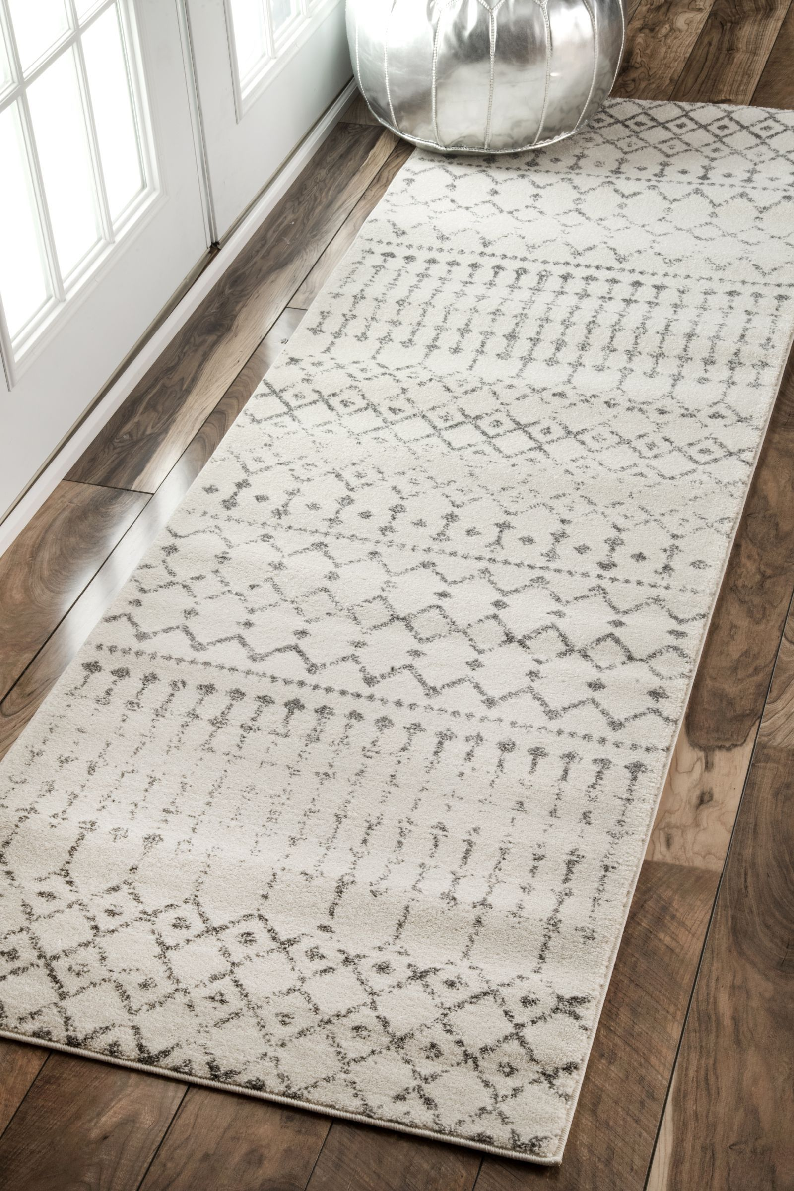 Rugs usa area rugs in many styles including contemporary for Contemporary runner rugs for hallway