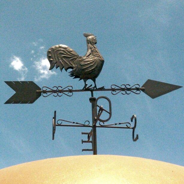 Veleta de los cuatro vientos  Con su Gallo anunciando........ antes que cante el gallo me negaras 3 beses