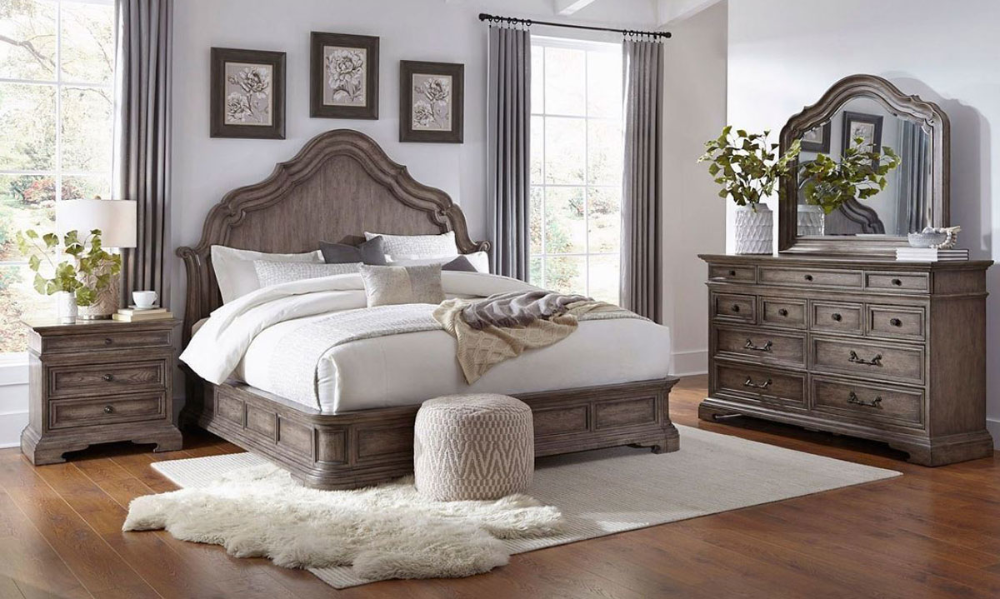 Pulaski 5 Piece Cordoba European Traditional King Mansion Bedroom In 2020 Accent Furniture Bedroom King Bedroom Furniture Bedroom Sets Furniture King