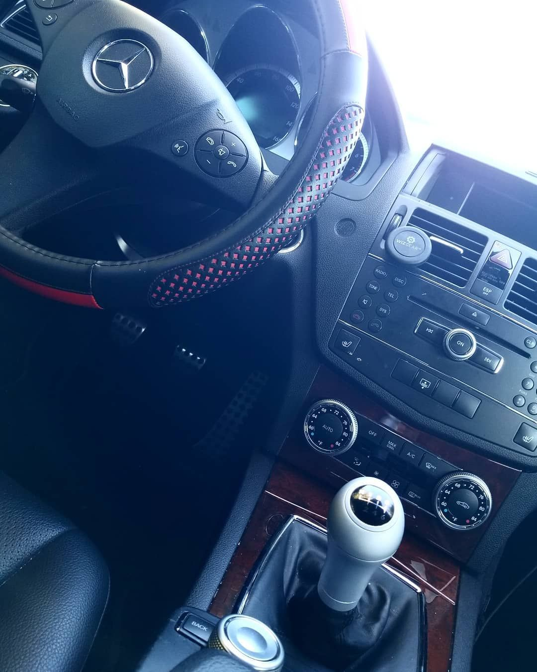 3 Pedals And A Shifter Or Gtfo According To Mercedes Benz Less Than 200 Of These Were Made Savet 3 Pedals A Stick Shift Mercedes Benz Manual Transmission