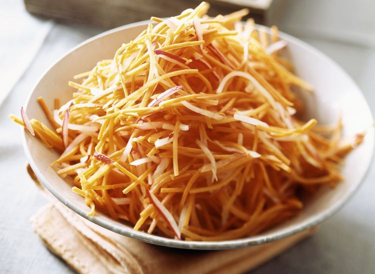 Photo of This Easy Polish Carrot Salad Recipe Requires No Cooking