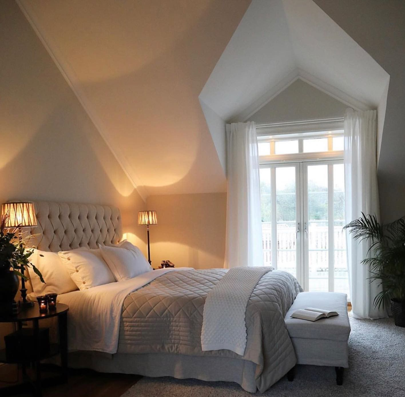 Pin By Tatiana Ly On House Design Diy Home Decor For Apartments Renting Bedroom Decor Classic Bedroom