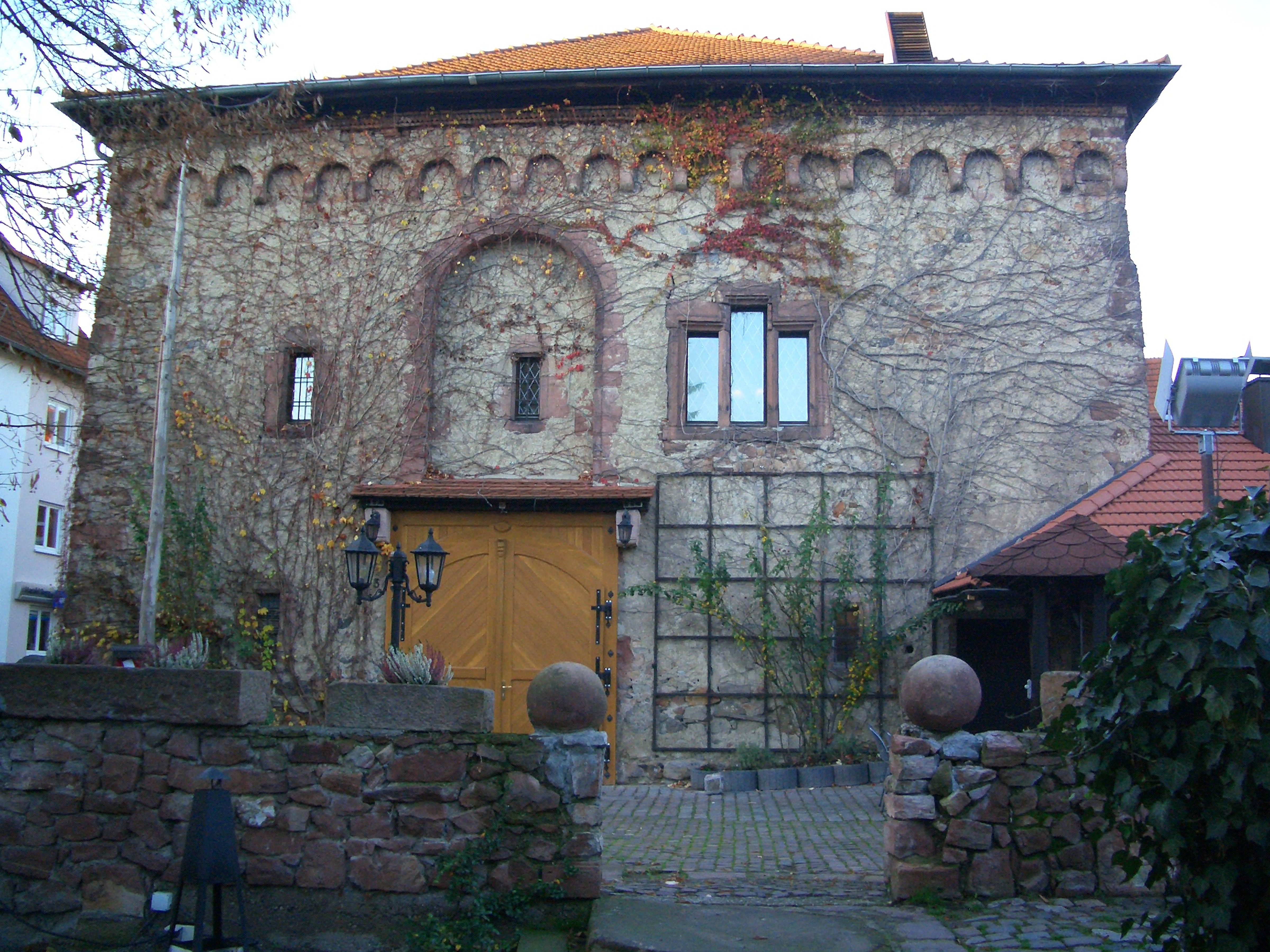 Hemsbach: Ritterhaus Zehntscheuer