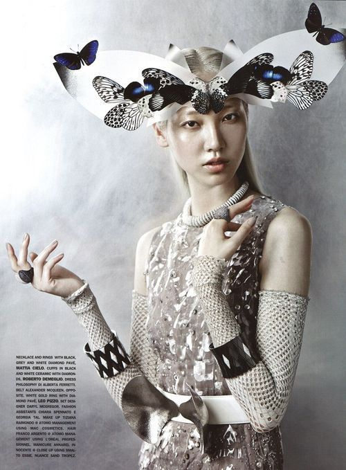 Vogue Gioiello, Sept 2012 -This image interested me because instead of covering the whole head the hat is predominantly at the front resting on the forehead. When creating my hat, I can use this to help me create a unique hat that sits possibly on the side or back instead of simply the whole head. {Animal//Natural Form}