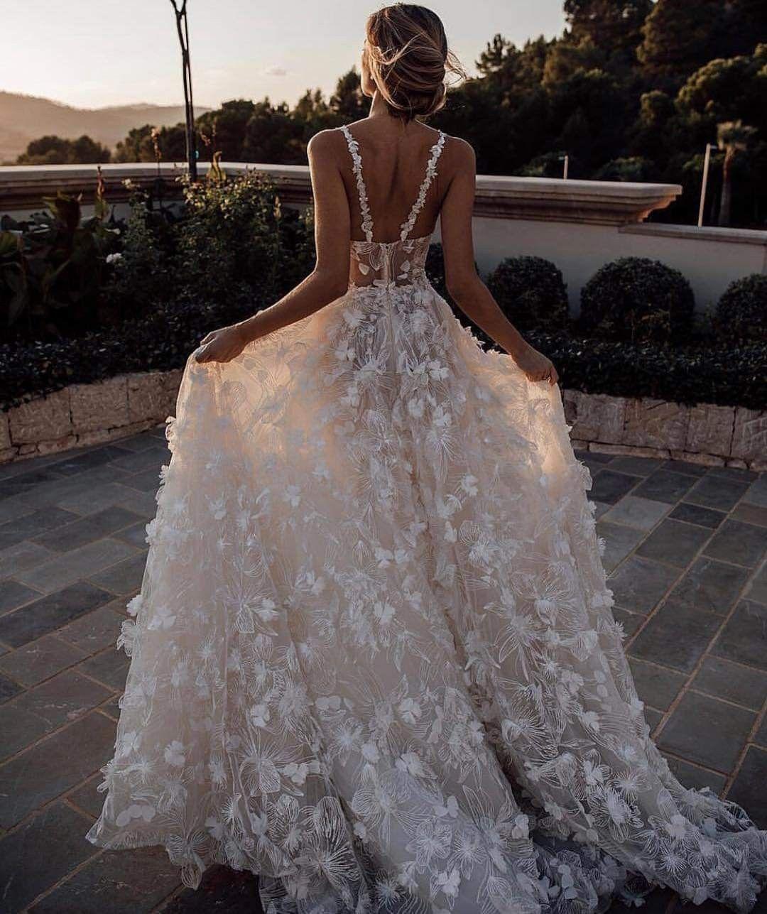 Pin By Christinia Shearer On Especial Novias Wedding Dress Guide Gorgeous Wedding Dress Dream Wedding Dresses