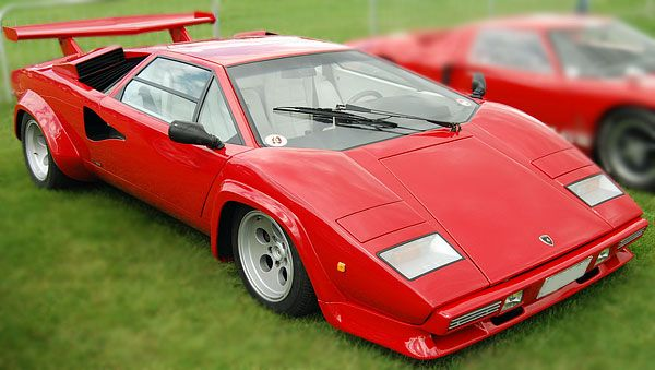Lamborghini Countach One Of The Most Futuristic And SEXIEST - Sports cars 1980s