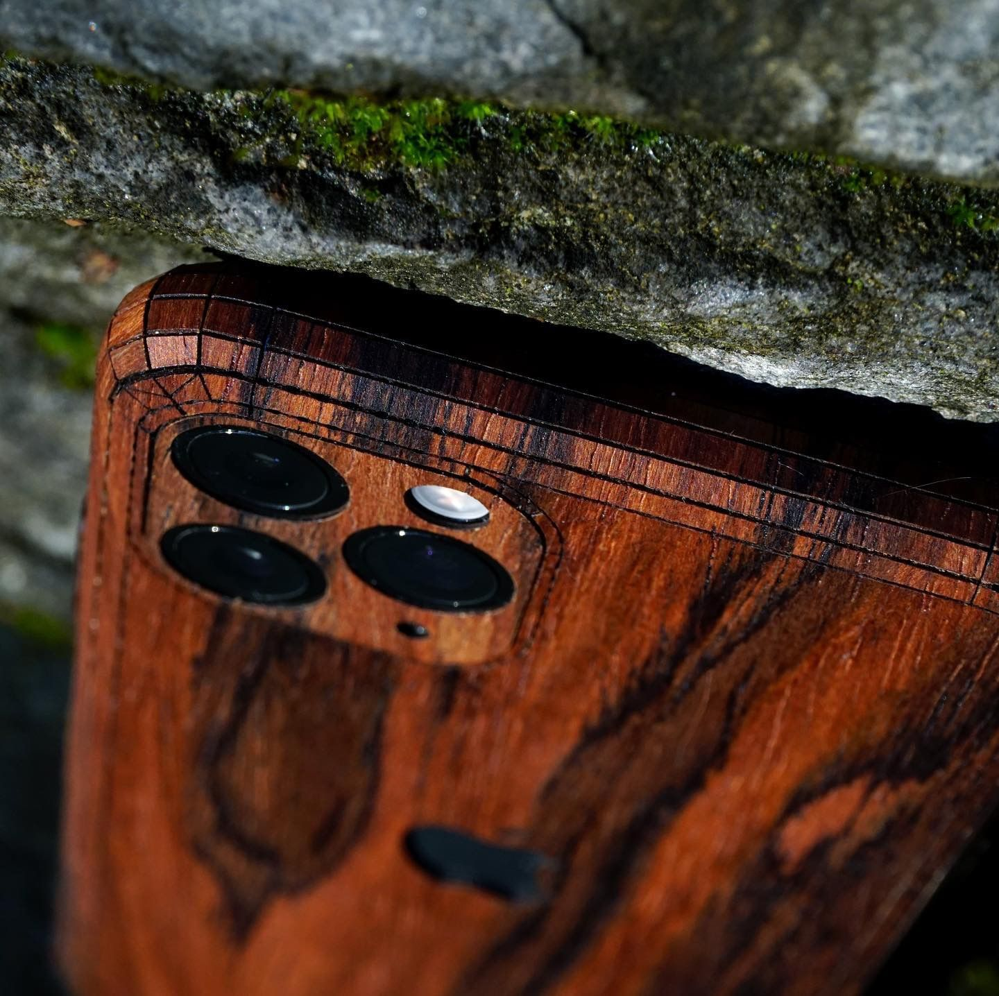 iPhone 11 / Pro / Pro Max wood cover in 2020 Wood cover
