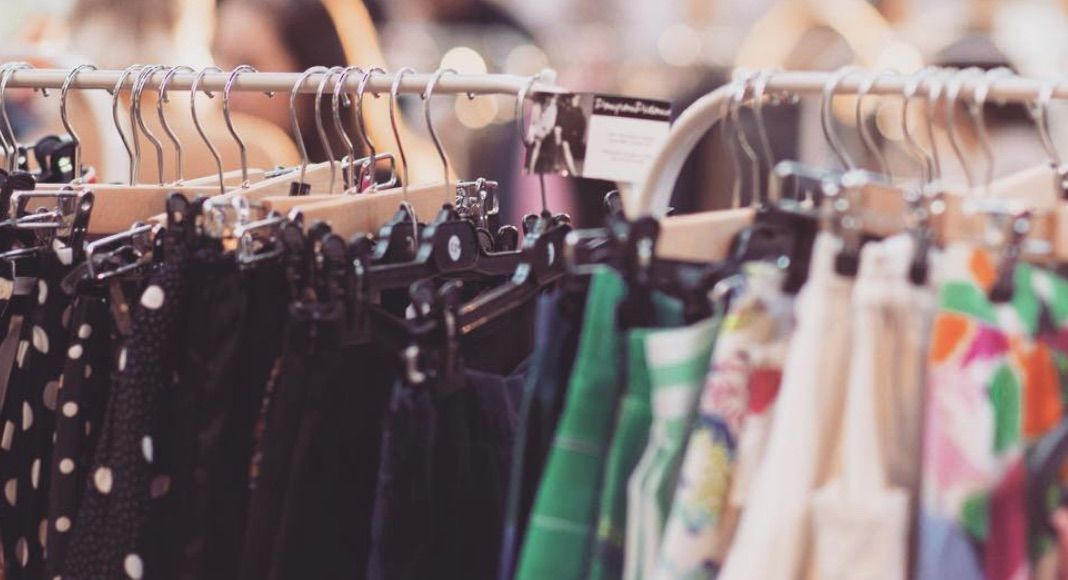 5 Insider Spots For Vintage And Thrift Shopping In Paris Paris Shopping Thrifting Vintage Shops