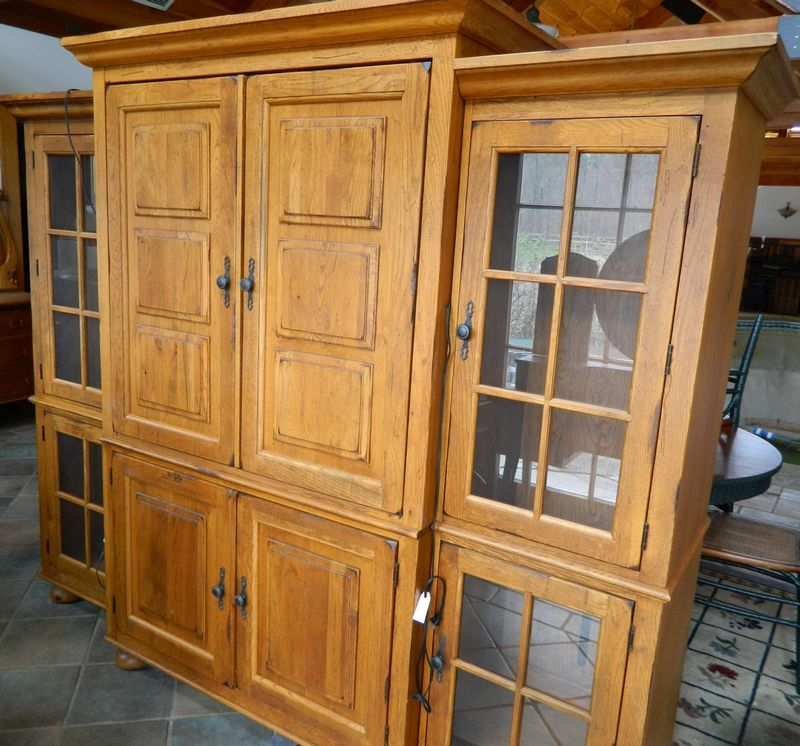 Broyhill Attic Heirlooms 3 Piece Entertainment Center. Consisting Of 2  Glass Door Lighted Side Cabinets