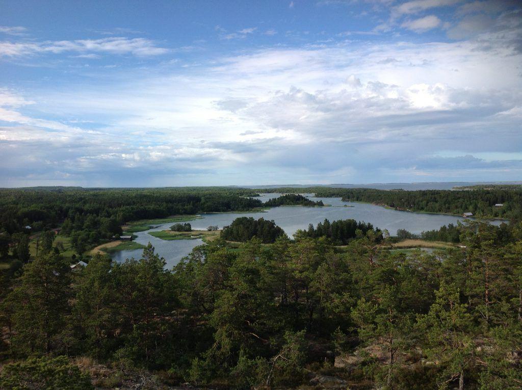 Ahvenanmaan pohjoisosissa Myrskyluodon Maija -maisemat häikäisevät kauneudellaan.