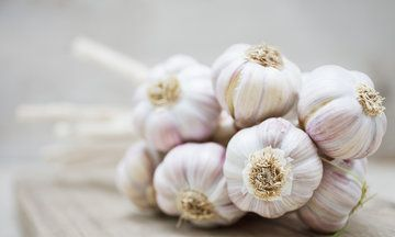 A Science-Backed Trick To Get Rid Of Garlic Breath Fast
