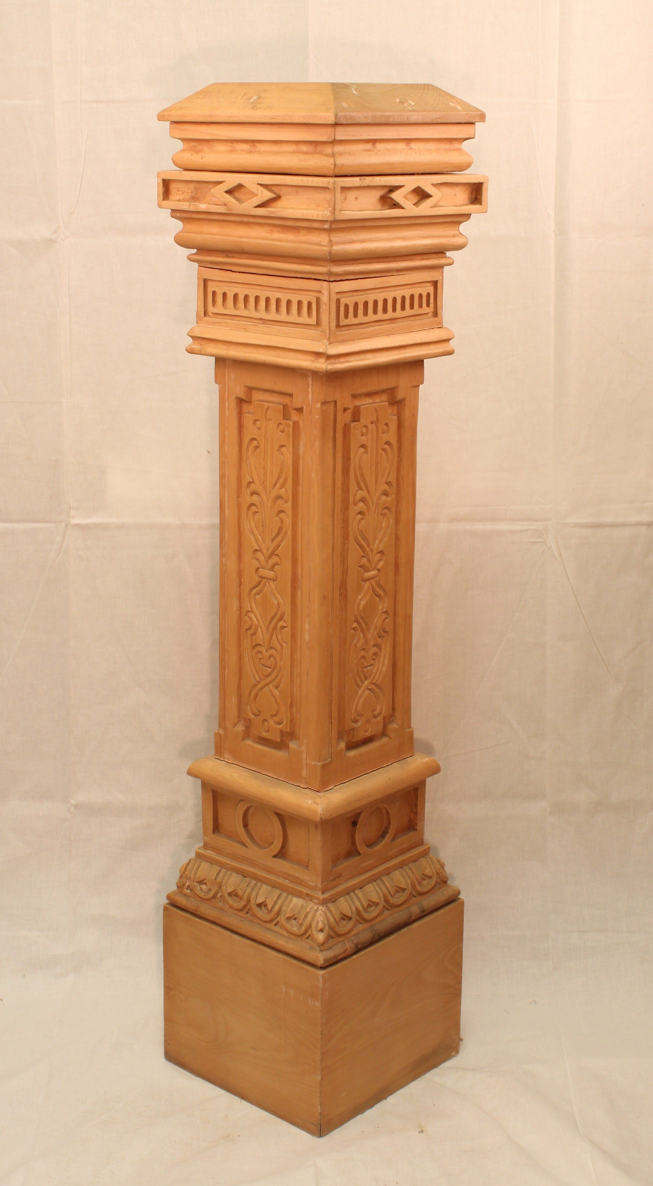 Build Newel Post Stripped Reclaimed Carved Newel Post Building Art Inventory