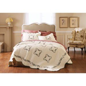 fc50819ad25d7a55fa667d446836ee89 - Better Homes And Gardens Baylee Quilt