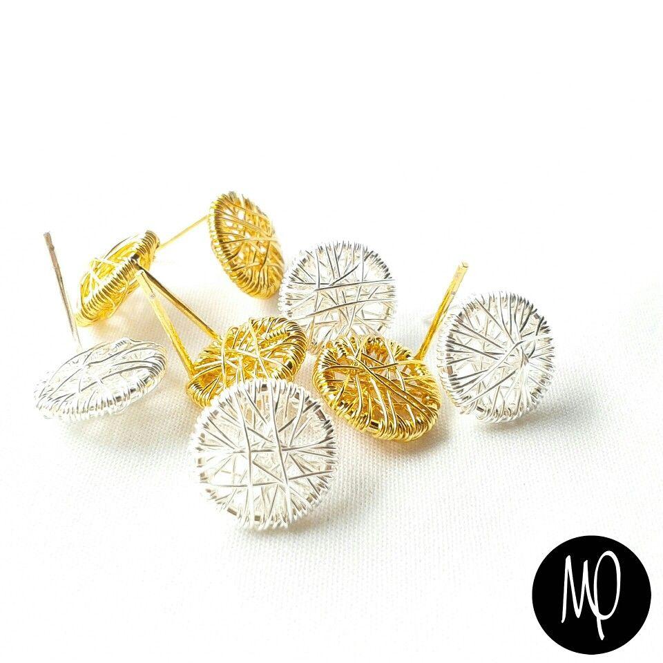 Zarcillos - Pegaditos  pequeños - Hilo entrelazado - Baño de oro y plata