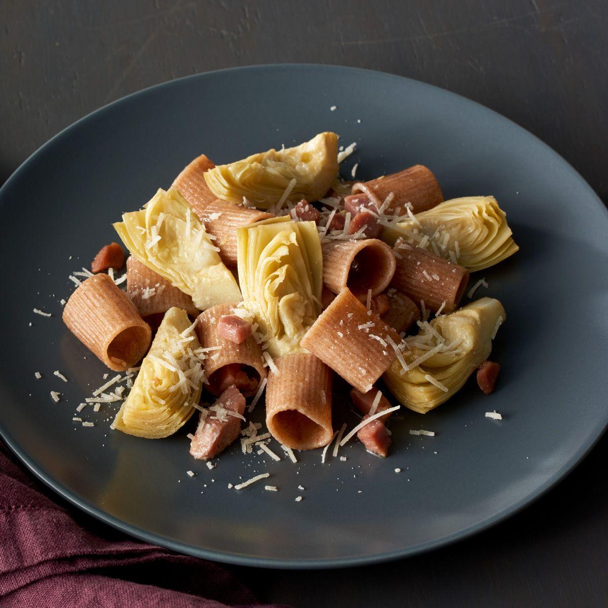 Farro cameroni pasta with pancetta and artichokes