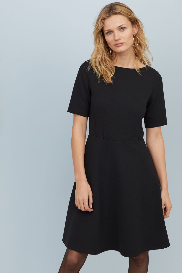 Dress With A Bell Shaped Skirt Black Ladies H M Gb Circle Skirt Dress Dress Skirt Modest Black Dress [ 1152 x 768 Pixel ]
