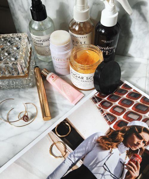 Bathroom situation & Beauty Favorites