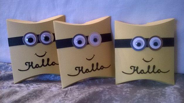 Geschenkkartons - 3 lustige Verpackungen im Minions-Stil - ein Designerstück von kreativesherzerl bei DaWanda