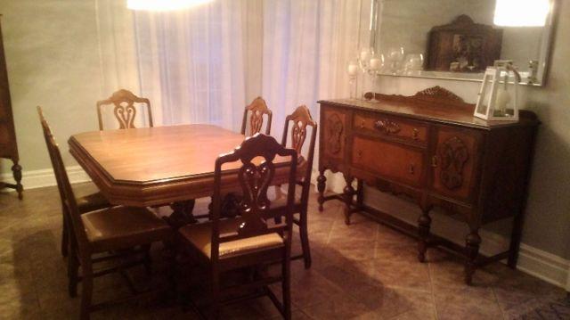 Cette salle a manger antique mobilier de salle à manger et cuisine laval rive nord kijiji