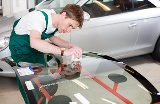 Get The Tinted Window Fixed With Smash Repair Autoglass Removal