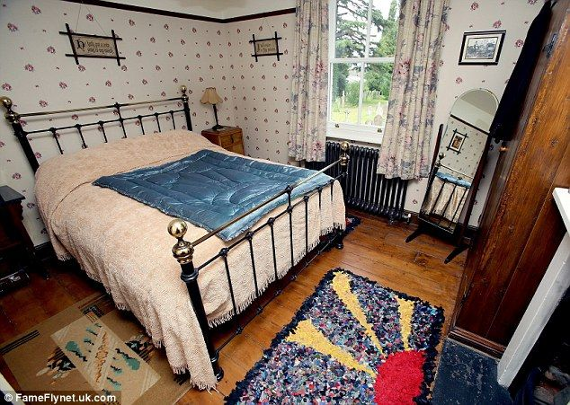1940 Bedroom Decorating Ideas: At Home In The Past: Man Whose House Is A Shrine To The