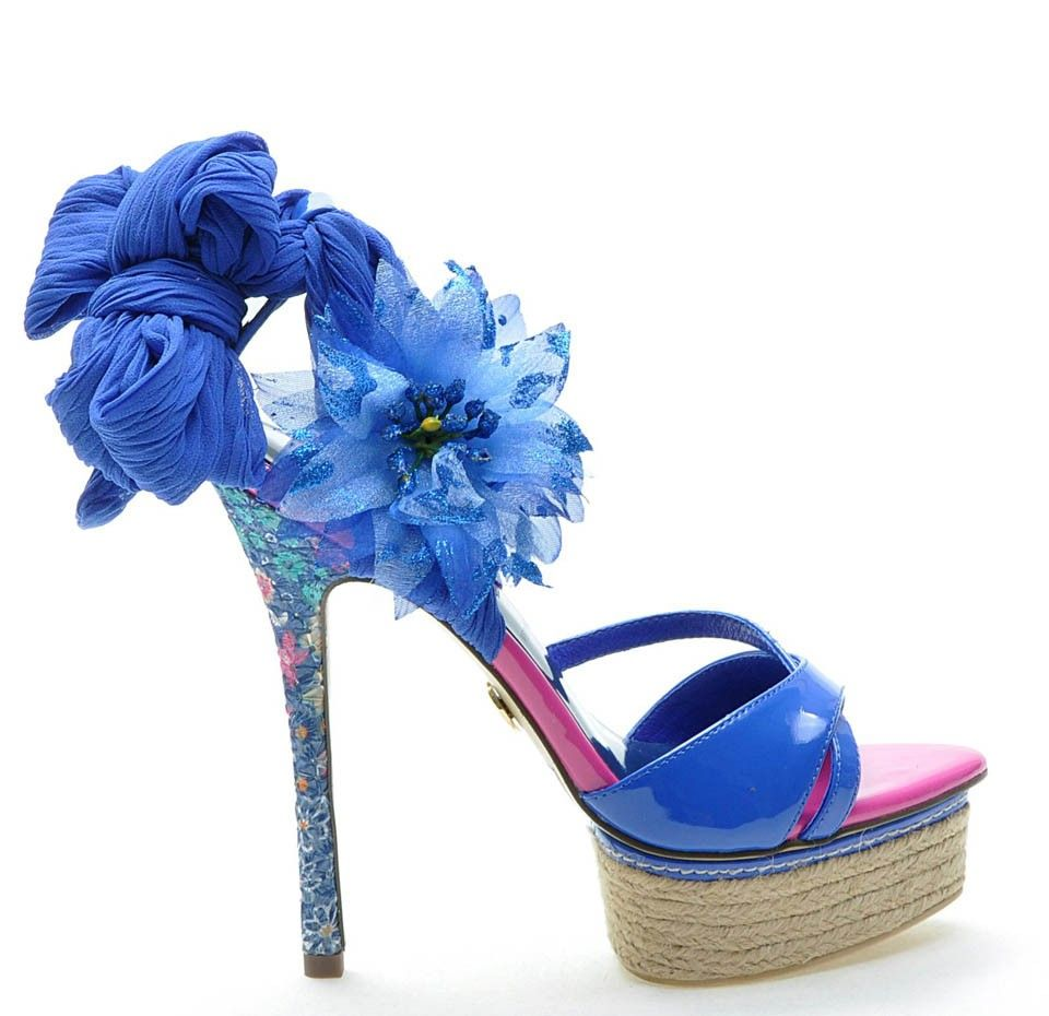 the latest 747b6 bc49d Roberta Farc shoes in colour blue | Shoes | Shoes, Fashion ...