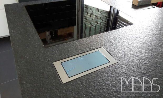 Mit Eco Antik erzielt man eine schöne, angenehme Oberfläche, die sehr elegant wirkt.  http://www.arbeitsplatten-deutschland.com/aktuelle/projekte-bad-homburg-granit-arbeitsplatte-devil-black
