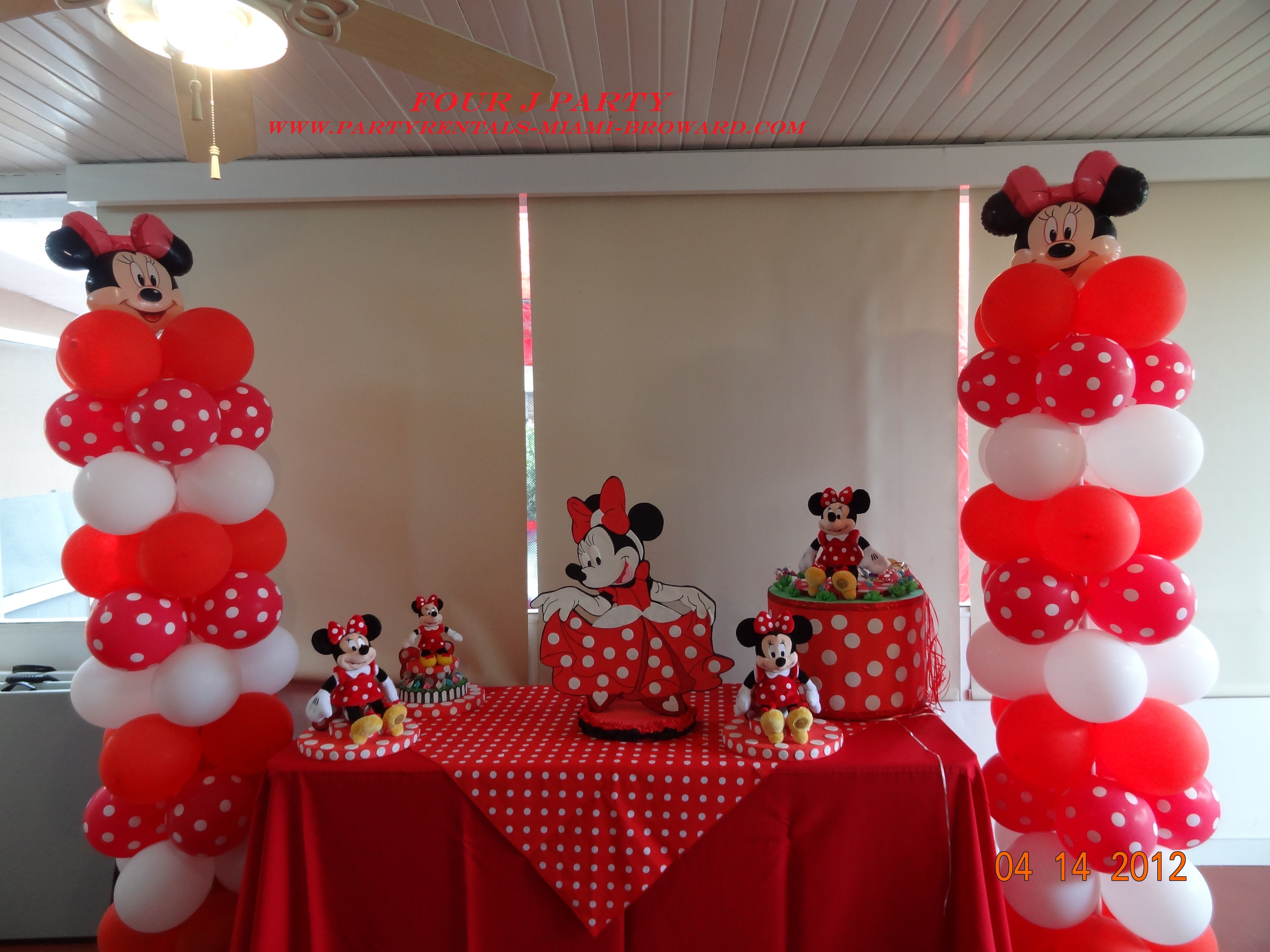 Minnie Mouse Columns Of Balloons With 2 Center Pieces And