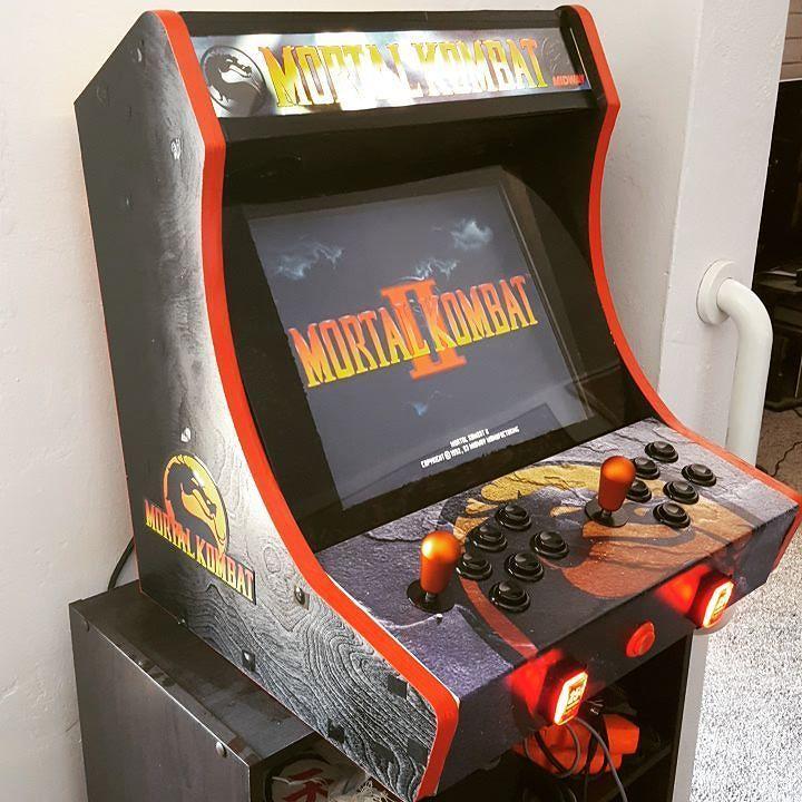 Something we loved from Instagram! Mortal Kombat bartop arcade ...