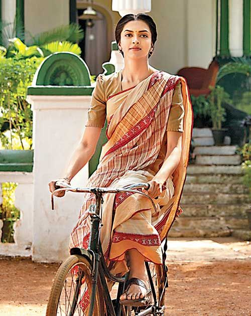 B Town S Romance With The Bicycle Bicycle Fashion Bike Ride Bike Style