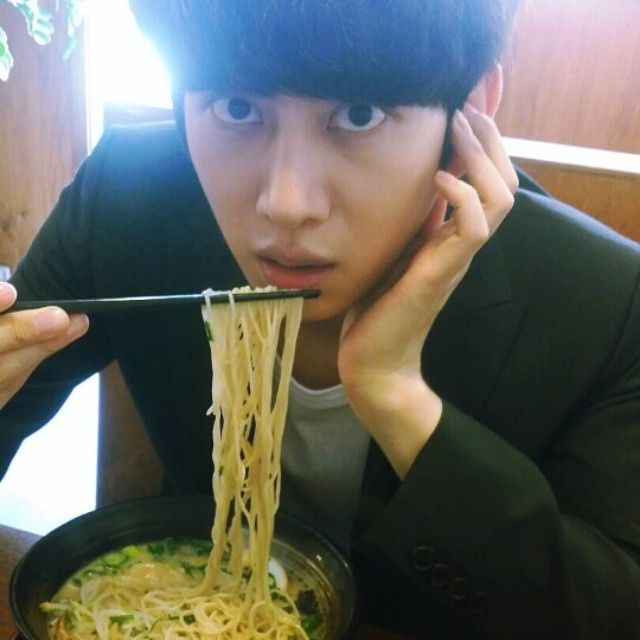 And now I'm craving ramen..........