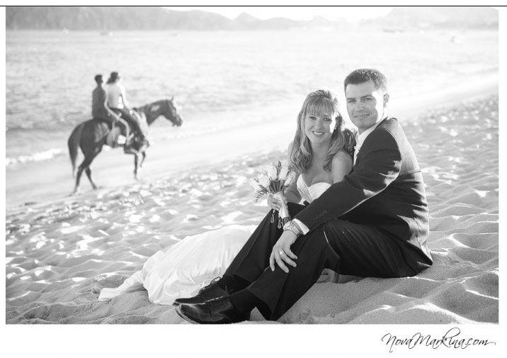 Stylish wedding photography - creative wedding photographer and portrait photographer serving Strathroy and London Ontario Canada.