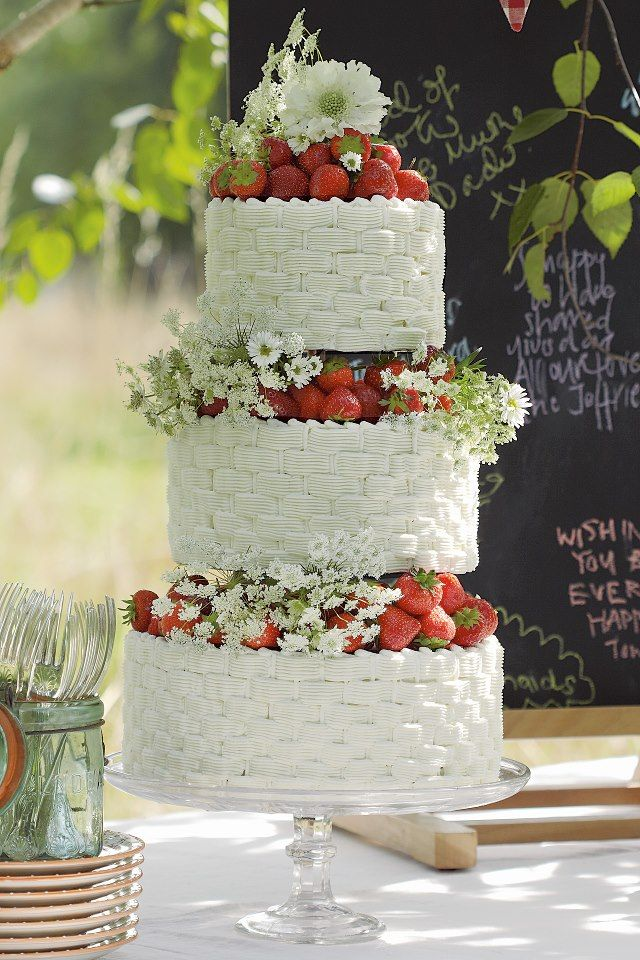 Strawberry Wedding Cake Themarriedapp Com Hearted 3 Strawberry Wedding Cakes Wedding Strawberries Buttercream Wedding Cake