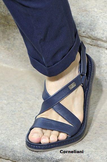 d2e4237bc Corneliani sandalia de piel para hombre Sandalias Planas, Sandalias Hombre,  Colección De Zapatos,