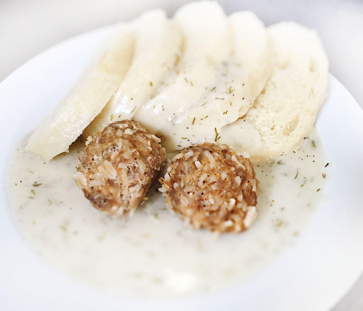 Denné menu Vranov | Mäsovo-ryžové gule v kôprovej omáčke, kysnuté knedle - reštaurácia Hotel Patriot*** #hotel #restaurant
