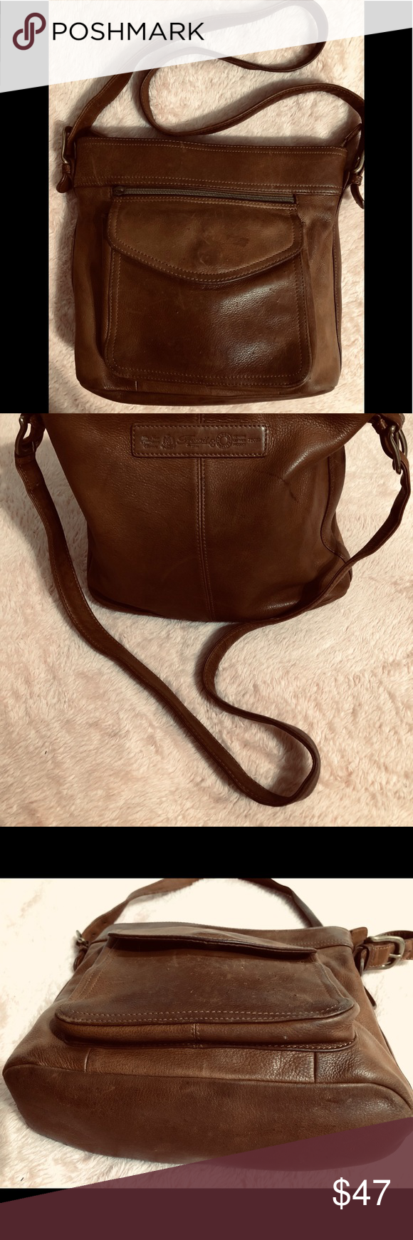 BROWN LEATHER SHOULDER BAG  PURSE FOSSIL BRAND BEAUTIFUL BROWN SOFT GENUINE LEATHER SHOULDER BAG  PURSE 11 12 x 9 12 x 3 12 FROM TOP OF SHOULDER TO BOTTOM IS 24 STRAP FRO...