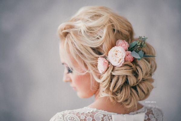 Fryzura Slubna Z Kwiatem Diy Wedding Hair Wedding Hairstyles For Medium Hair Wedding Hair And Makeup