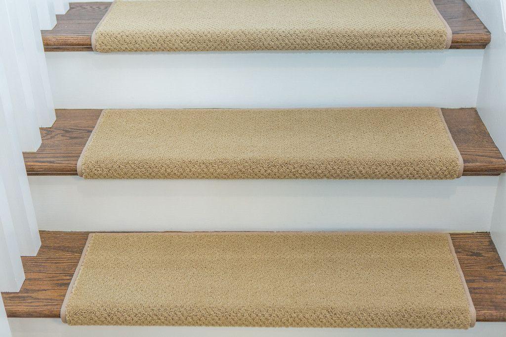 Best Warwick Adhesive Bullnose Carpet Stair Tread Bullnose 400 x 300