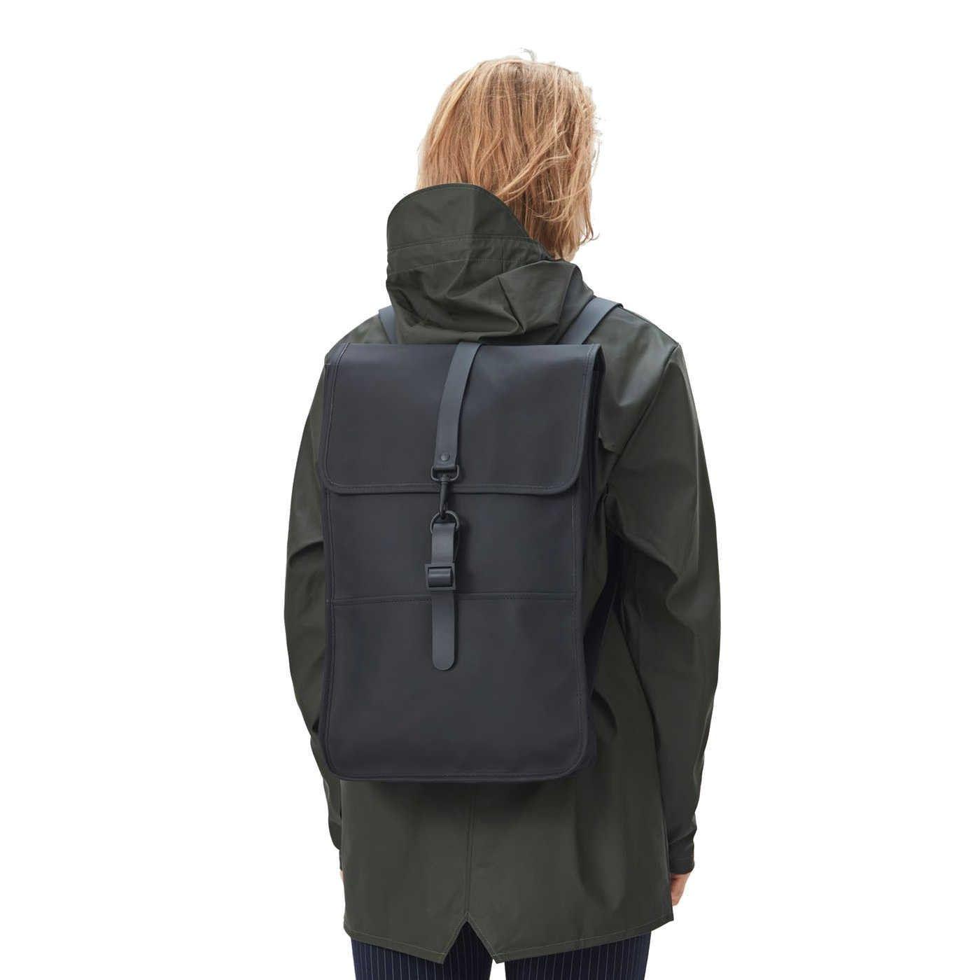 a085b7771cd Bij Brandfield koop je de mooiste Rains tassen, zoals deze Rains Backpack  Black Rugzak R1220