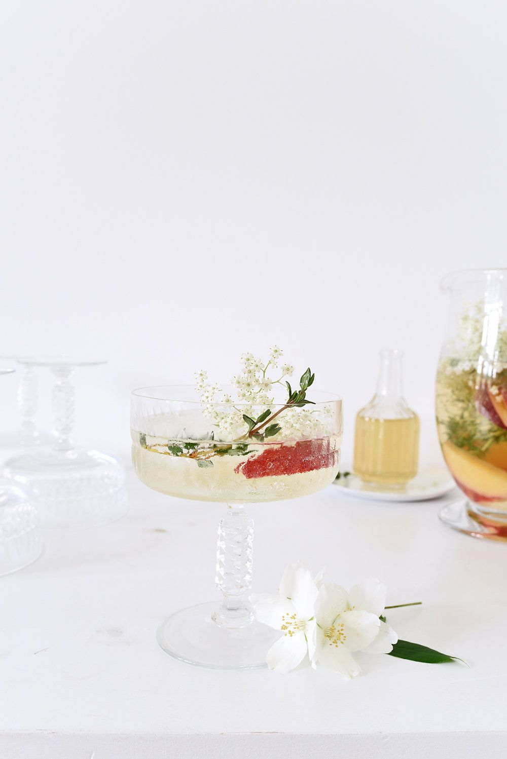 4 Simple Ways To Decorate For A Garden Party At Home
