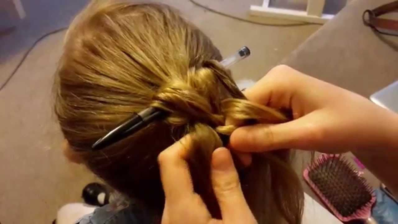 Plait Over Pen Quick Hair Up Youtube Fryzury W 2019