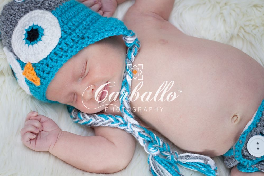 Newborn photography, My lil owl Alaric , photo by: Carballo Photography