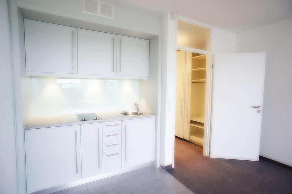 Schöne moderne Küchenzeilen in den 1 Zimmer Wohnungen im