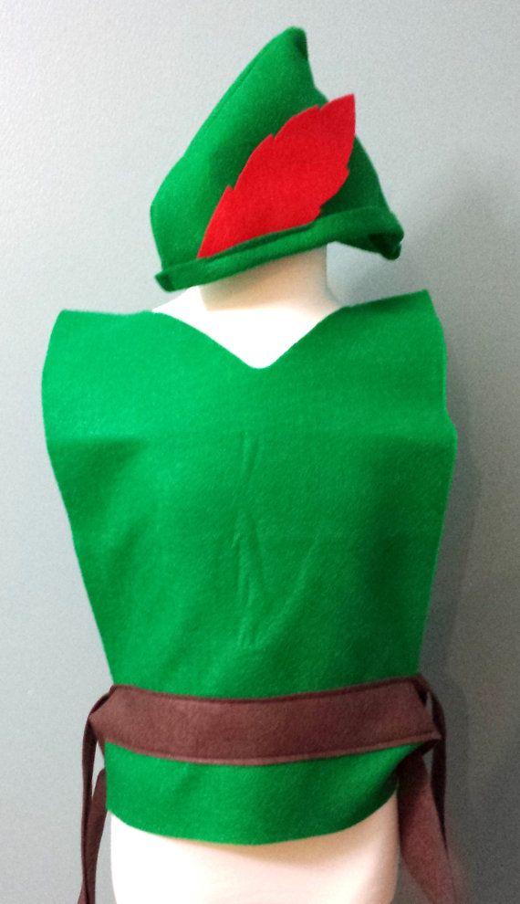 85d725cc2673d Nuestra adorable Peter Pan   Robin Hood traje incluye una túnica y sombrero.  La túnica es de Eco amistoso fieltro con una correa del lazo marrón.