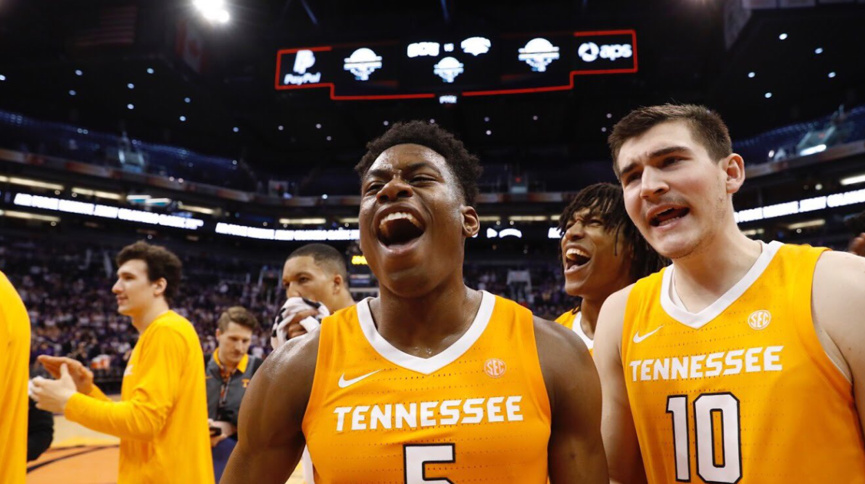 Video Schofield Nails Game Winning Three Vs No 1 Gonzaga Rocky Top Insider Video Schofield Nails Game Winning Thr Tennessee Rocky Top College Basketball
