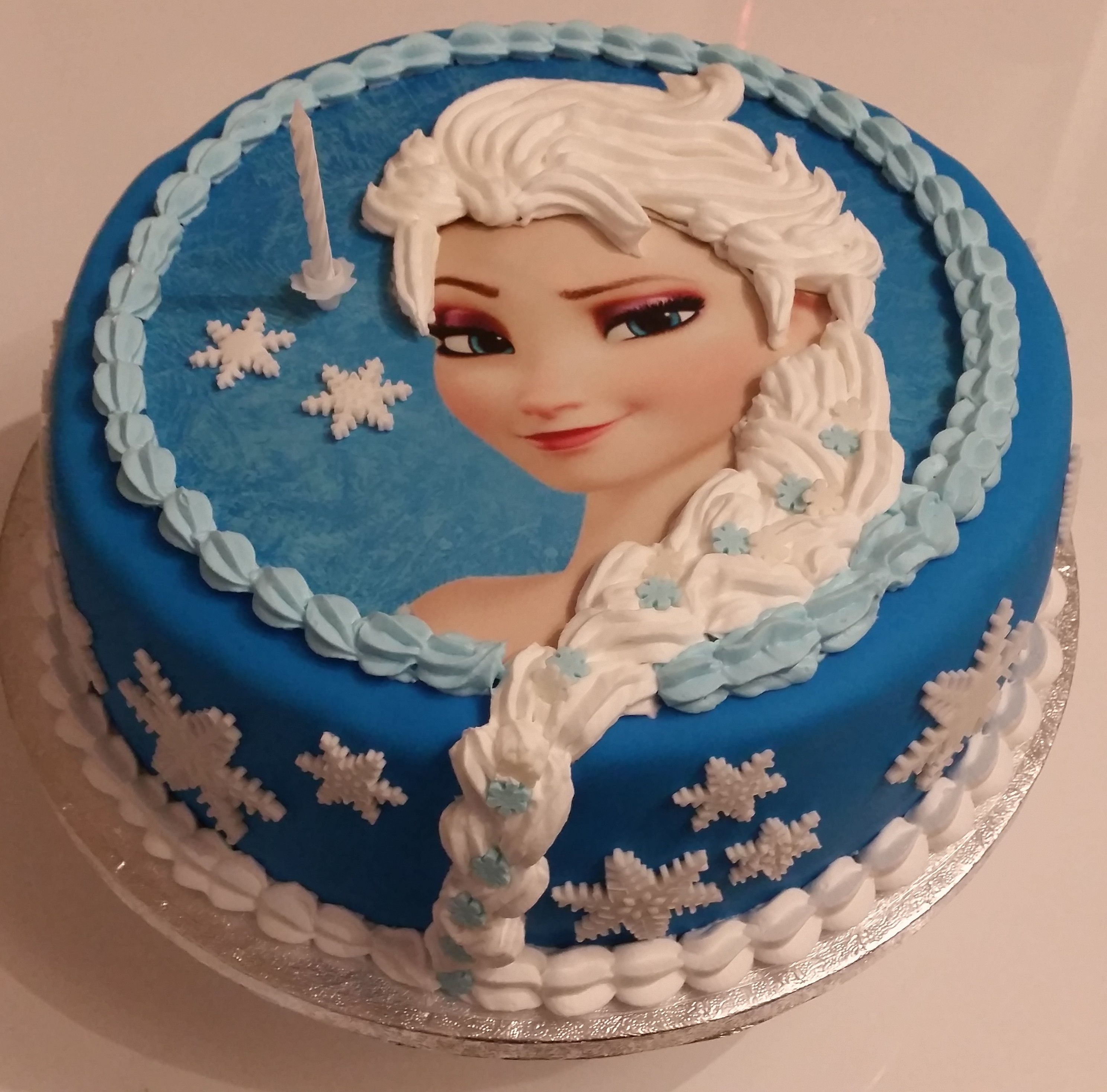 elsa torte frozen die eisk nigin emilie pinterest elsa cake and birthday cakes. Black Bedroom Furniture Sets. Home Design Ideas