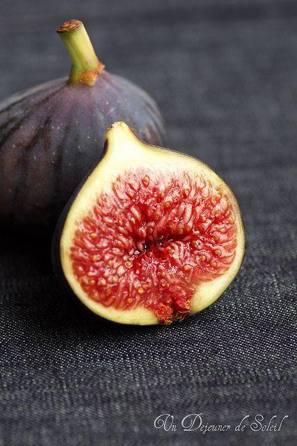 Fresh fig ©Edda Onorato