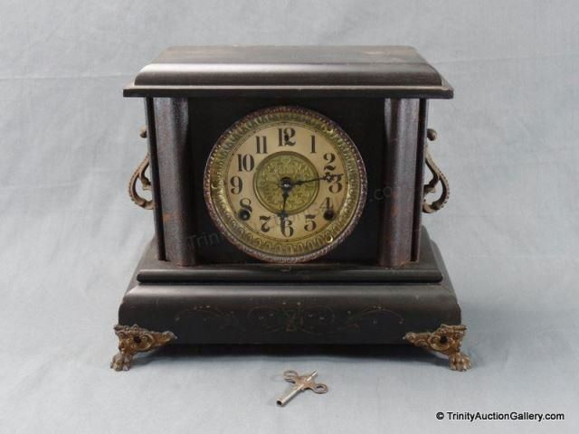 Lot # : 50 - Antique 1905 Wm. Gilbert Key Wind Mantle Clock
