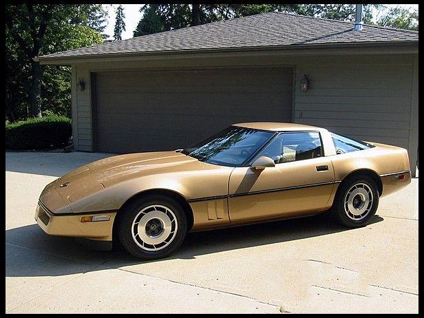 1985 Gold Metallic Corvette 1 411 Units Chevrolet Corvette C4 Corvette Chevrolet Corvette
