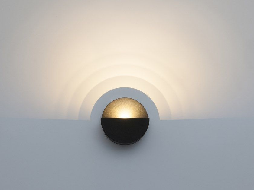 Led Polycarbonate Wall Lamp Gradient By Vibia Design Maarten De